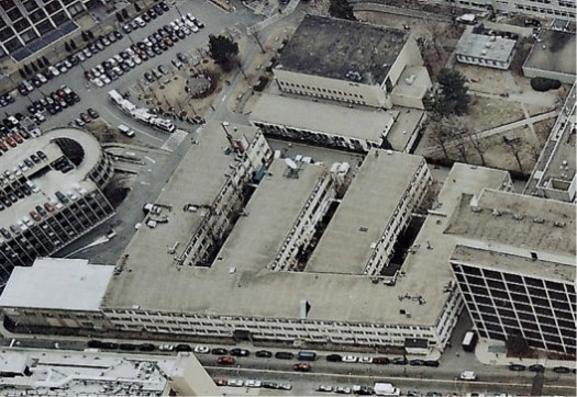 MIT Building 20 Aerial View. All those offices and one central entrance. Image via Amar Singh on Medium