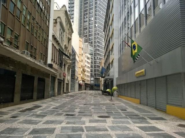 A região central de São Paulo conta com 11,5 mil metros quadrados de calçadão com o mosaico português. Foto: Diego Torres Silvestre/Reprodução/Flickr