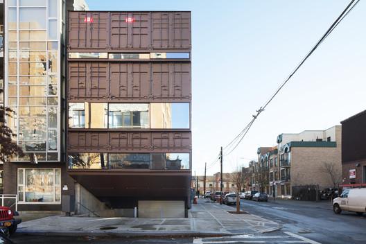 Carroll House, Brooklyn, New York, USA, 2016. Image © Danny Bright