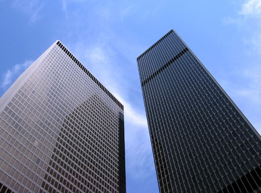The TD Bank Tower, right, from which Garry Hoy plunged to his death in 1992. Image © <a href='https://www.flickr.com/photos/mtl_shag/1119933256'>Flickr user mtl_shag</a> licensed under <a href='https://creativecommons.org/licenses/by-nd/2.0/'>CC BY-ND 2.0</a>