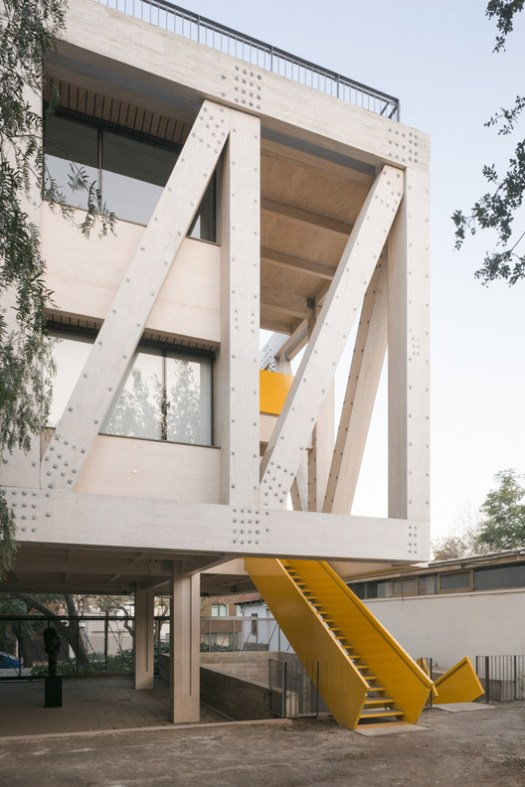 UC Architecture School Building (Santiago , Chile) / Gonzalo Claro. Image Courtesy of Wood Design & Building Awards