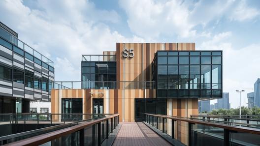 DSC01374%E5%89%AF%E6%9C%AC The New Bund World Trade Center - Phase 1 / Benoy Architecture