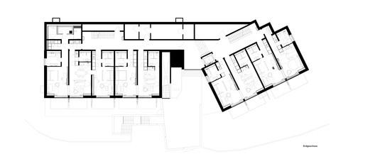 Erdgeschoss Alpine Chalets / landau+kindelbacher Architekten Innenarchitekten Architecture