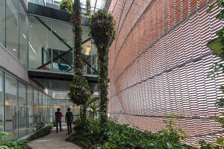 Fundación Santa Fe de Bogotá / El Equipo de Mazzanti. Image © Alejandro Arango