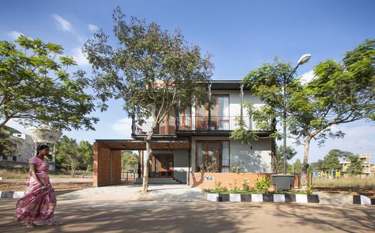 2 Corbel House / Kamat & Rozario Architecture Architecture