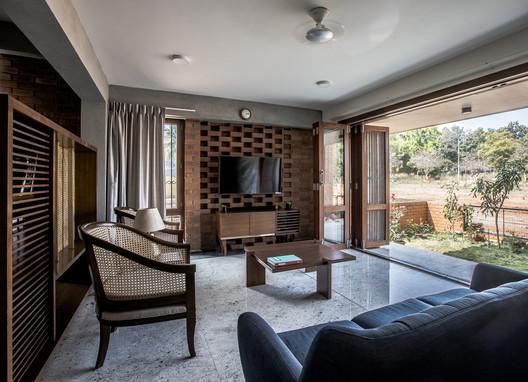 13 Corbel House / Kamat & Rozario Architecture Architecture
