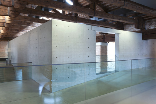 01_Museum_of_Punta_della_Dogana_Tadao_Ando_%C2%A9Luca_Girardini Tadao Ando's Punta Della Dogana Museum Through the Lens of Luca Girardini Architecture