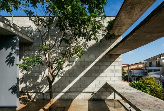 Mipibu House / Terra e Tuma Arquitetos Associados. Image © Nelson Kon