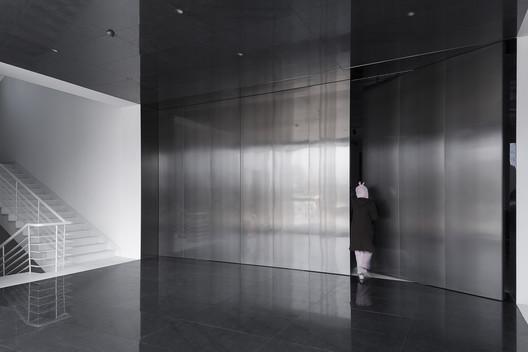 Lobby. Image © Weiqi Jin