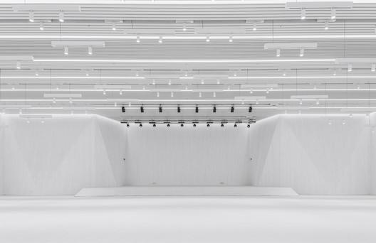 018%E6%B4%BB%E5%8A%A8%E8%88%9E%E5%8F%B0 Renovation of the Multi-Function Hall in Central Academy of Fine Arts / Architecture School of CAFA Architecture