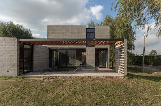 9 PRO.CRE.AR PERROUD House / AToT - Arquitectos Todo Terreno Architecture
