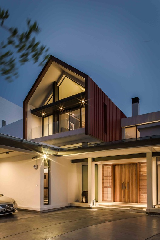 2R MERU House / A3 PROJECT Architecture
