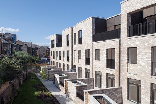 Great Eastern Buildings / Karakusevic Carson Architects. Image © Emanuelis Stasaitis