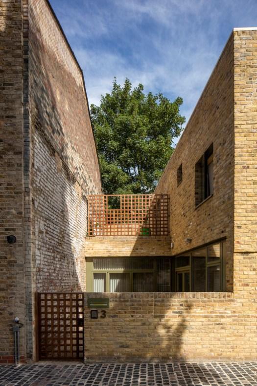 Moray Mews / Peter Barber Architects. Image © Morley von Sternberg