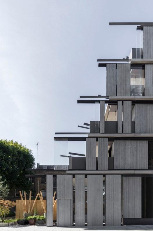 Nobu Hotel / Ron Arad Architects + Ben Adams Architects. Image © Nicholas Worley