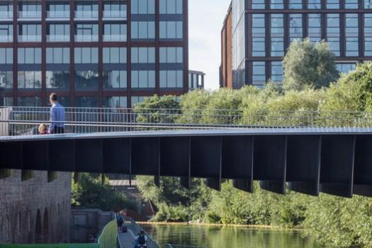Somers Town Bridge / Moxon Architects. Image © Simon Kennedy