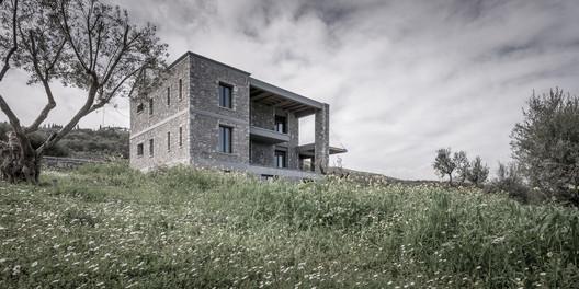 Katsimpiri1_800_2979 Olive and Stone Residence / Nikos Mourikis Architecture