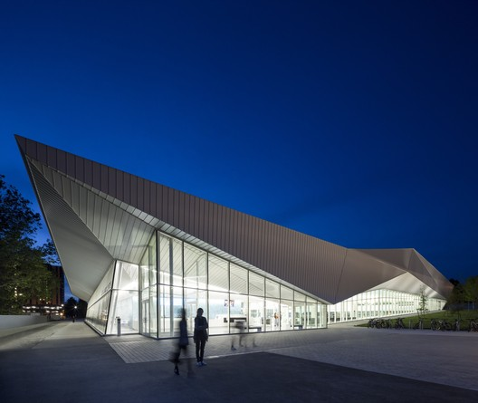 UBC01 UBC Aquatic Centre / MJMA + Acton Ostry Architects Architecture