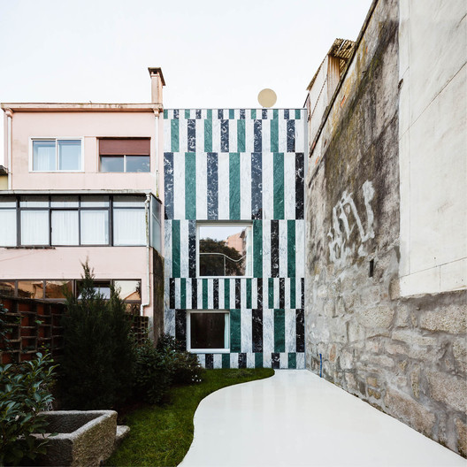 feature_imge House In Rua do Paraíso / fala atelier Architecture