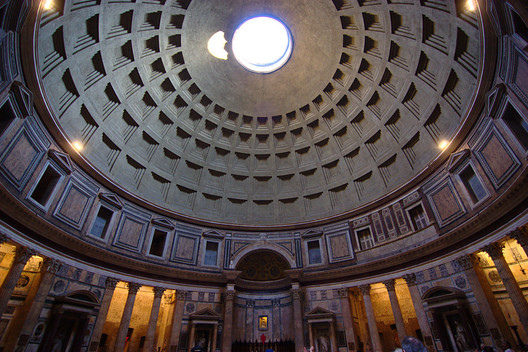 The Pantheon. Image© <a href='https://www.flickr.com/photos/biker_jun/6896653072'>Flickr user Jun</a> licensed under <a href='https://creativecommons.org/licenses/by-sa/2.0/'>CC BY SA-2.0</a>