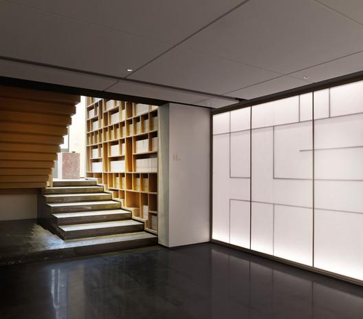 1F Corridor. Image © Kuo-min Lee
