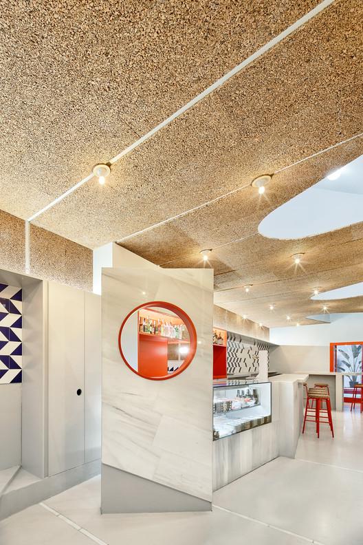F_JosC%CC%A7_Hevia_(3) Refurbishment of Bar El Villa - Vermuteria del Mar / AMOO | Aureli Mora + Omar Ornaque Architecture