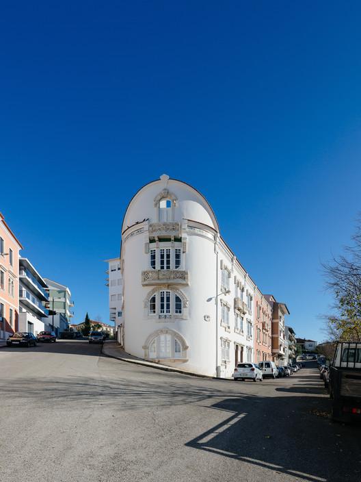 001 'Redondo' Building / Branco-DelRio Arquitectos Architecture