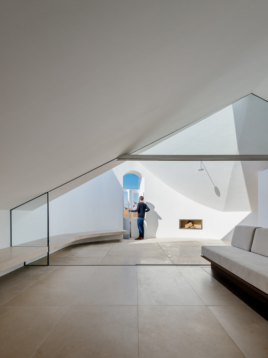 023 'Redondo' Building / Branco-DelRio Arquitectos Architecture