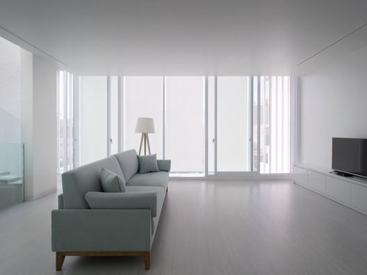 House_13_-_12_Operable_Facade.jpg House 13 / INSADA Architecture