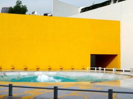 Hotel Camino Real de Polanco / Ricardo Legorreta. Image © Flickr kieranmcglone