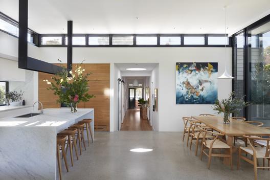30324 Light Box / Damon Hills + Finnis Architects Architecture