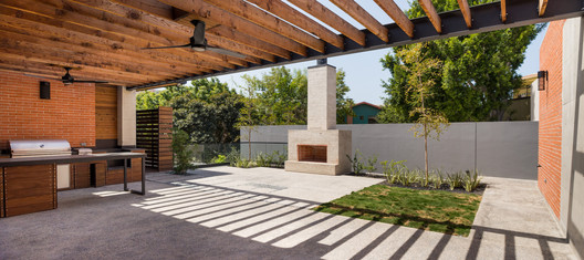 PS-29 PS House / Guillot Arquitectos Architecture