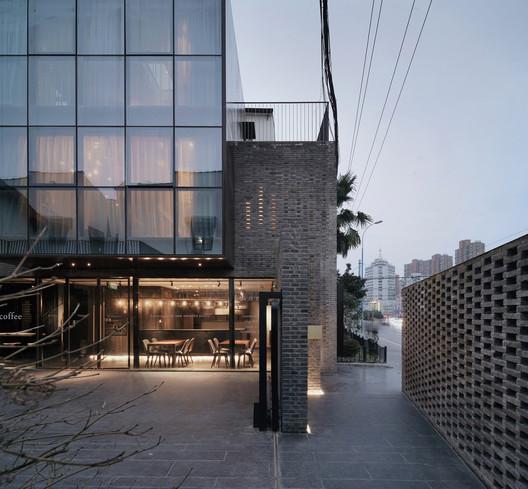 2%E5%AE%BF%E5%85%A5%E5%8F%A3%E5%A4%84 Yu Hotel / Shanghai Benzhe Architecture Design Architecture