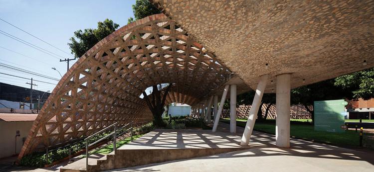 Centro de Rehabilitación Infantil Teletón / Gabinete de Arquitectura. Image © Federico Cairoli