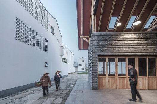 20_photographer_Zhao_Yilong Dongziguan Villagers' Activity Center / gad x line+ studio Architecture