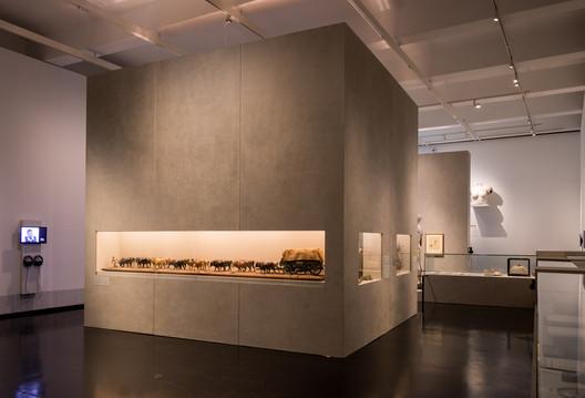 DHMD_Raum_2_6 Kéré Architecture Designs Sceneography for Exhibition on Racism Architecture