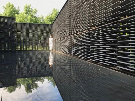 Frida Escobedo in her 2018 Serpentine Pavilion. Image © Vanessa Vielma