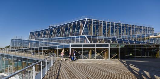 %C2%A9Jacques_Ferrier_Architecture__Photo_Didier_Boy_De_La_Tour_2 Water Park Aqualagon / Jacques Ferrier Architecture Architecture