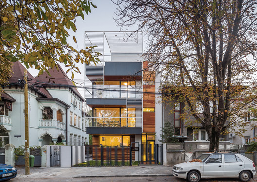 01_-_Context_view Residential Building in Bucharest / Melon Design Studio Architecture