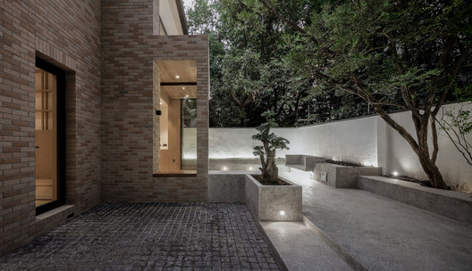 7T2A7433final The House with a Tiny Patio / Atelier TAO+C Architecture