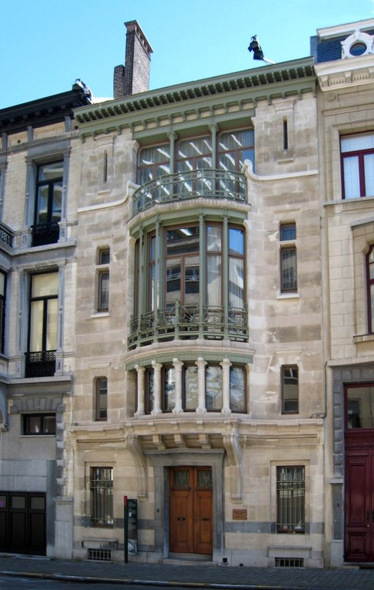 © <a href='https://commons.wikimedia.org/wiki/File:Victor_Horta_Hotel_Tassel.JPG#/media/File:Victor_Horta_Hotel_Tassel.JPG'>Creative Commons user Karl Stas</a> licensed under <a href='https://creativecommons.org/licenses/by-sa/3.0/'>CC BY-SA 3.0</a>