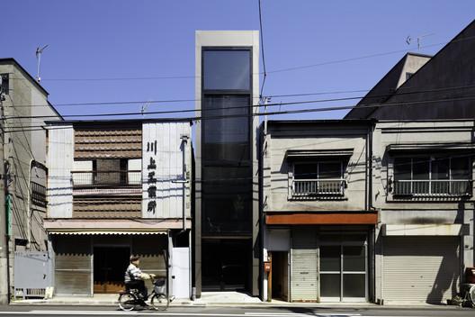 001_okanotei 1.8M Width House / YUUA Architects & Associates Architecture