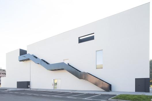 FILIPPO_ROMANOteatro_Cassano_D_Adda14lt Music Center Theater Teca / Dapstudio / elena sacco – paolo danelli Architecture