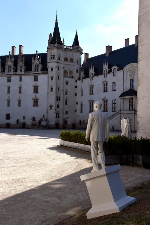 Chateau des Ducs de Bretagne featuring Ode to Adaption by Philippe Ramette. Image © Marc Domage and LVAN