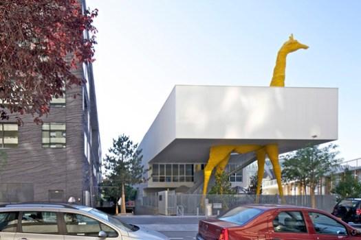 Giraffe Childcare Center / Hondelatte Laporte Architectes. Image © Philippe Ruault