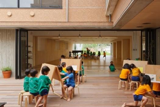 Hanazono Kindergarten and Nursery / HIBINOSEKKEI + Youji no Shiro. Image © Studio Bauhaus