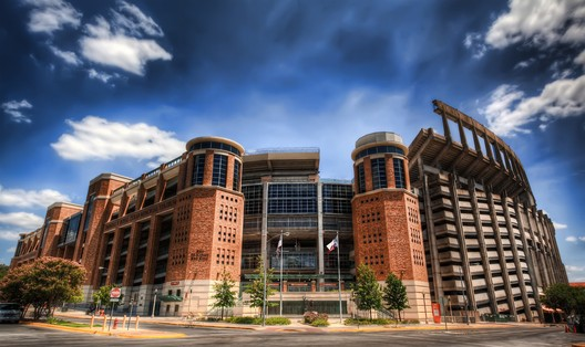 9. Darrell K Royal – Texas Memorial Stadium / Austin, Texas, USA. Image courtesy of flickr user wesbrowning. Licensed under CC BY-NC 2.0