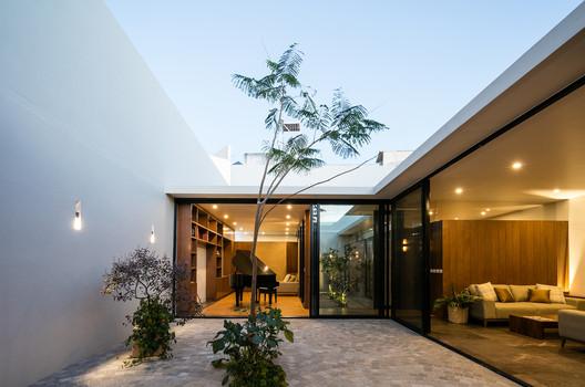 Casa Campestre / TAAB . Image © Lorena Darquea