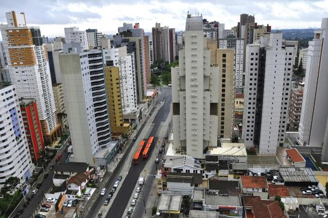 Curitiba, por exemplo, planejou para adensar seus corredores de transporte. Foto: Mariana Gil/WRI Brasil