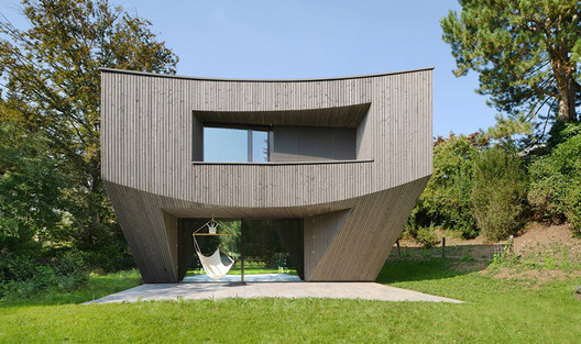Casa Curved (Basel, Switzerland) / Daluz Gonzalez Architekten